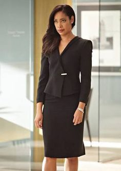 Jessica Pearson (Gina Torres) has attitude and a sizzling fashion sense in USA's Suits Serie, Suits Tv Shows, Gina Torres, Business Mode, Business Outfit, Neue Outfits, Office Outfits, Casual Outfits, Classy Outfits For Women