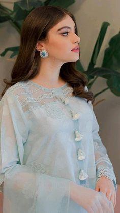 Beautiful Dress Designs, Stylish Dress Designs, Stylish Dresses, Casual Dresses, Women's Ethnic Fashion, Pakistani Fashion Casual, Designer Anarkali Dresses, Designer Party Wear Dresses, Beautiful Pakistani Dresses
