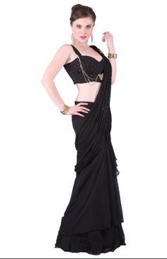 Stunning Black Saree That Makes You More Attractive In The Party Night!