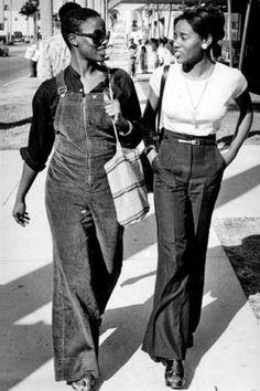 Ideas Fashion Street Style Vintage For 2019 70s Fashion, Fashion History, Trendy Fashion, Vintage Fashion, Womens Fashion, Seventies Fashion, Color Fashion, Fashion Black, Petite Fashion