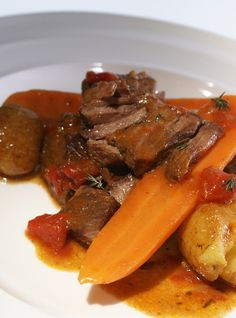 Slow-Cooked Beef with Red Wine Recipes | Ricardo