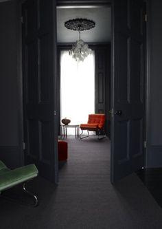 » Un appartement sombre et chic » Blog déco FactoryChic - Carnet de tendance et d'inspiration