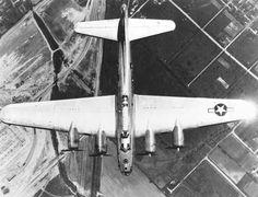 B-17H bomber in flight.