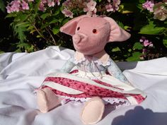 Vintage style handmade fabric soft pig doll. Soft bodied mobile legs and arms, plastic safety eyes, sewn on clothes removable apron. Fun gif - pinned by pin4etsy.com