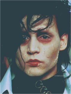 johnny depp e edward scissorhands imagem no We Heart It Johnny Movie, Johnny Depp Movies, Here's Johnny, Tim Burton Characters, Tim Burton Films, Novel Characters, Estilo Tim Burton, Scissors Hand, Kentucky