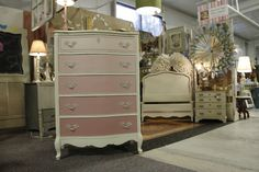 I painted this pink ombré with Annie Sloan Chalk Paint! Love the way it turned out!
