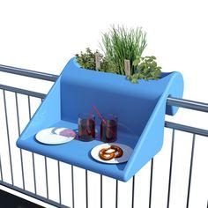 Neuartiges Möblierungskonzept für kleine Balkone:       Tisch- / Ablagefläche mit integriertem Blumenkasten: Balkonzept...