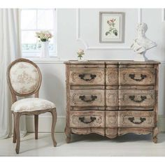 Chateauneuf Pine Wood Chest of Drawers