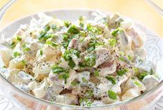Sałatka wielkanocna / Easter Salad jajka, ogórki konserwowe,  szynkę kroimy, doprawiamy majonezem i chrzanem, dekorujemy szczypiorkiem i sałatka gotowa!