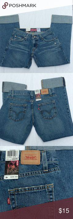 LEVIS BOYFRIEND CROPPED DENIM LEVIS CROPPED Denim ➖ Boyfriend fit ➖ 100% Cotton ➖rolled cuffs Levi's Jeans Boyfriend