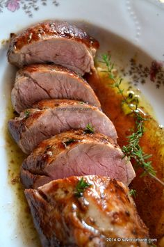 Pork tenderloin simple | Muschiulet de porc simplu | Savori Urbane Pork Recipes, Cooking Recipes, Healthy Recipes, Food Chemistry, Roasted Pork Tenderloins, Kebab, Romanian Food, Pork Dishes, My Favorite Food