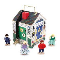 Edukacyjny domek drewniany z zamkami i kluczami + 4 lalki