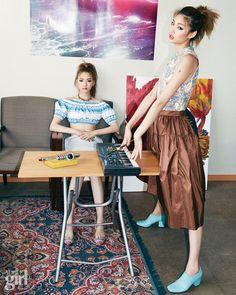 낯선 방, 두 명의 소녀 - Voguegirl.co.kr