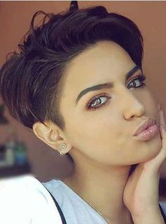 45 Trendy Short Haircuts for Pixie Hair in 2018 Wanna get fresh hair looks with short hair? Dont search anymore, just see here the most amazing ideas of pixie short haircuts and hairstyles to create in year This is quick, easy and feminine haircuts f Short Pixie Haircuts, Pixie Hairstyles, Short Hairstyles For Women, Hairstyles With Bangs, Pixie Bangs, Ladies Hairstyles, Hairstyles 2018, Short Hair Cuts For Women Trendy, Hairstyle Short