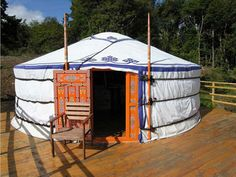 yourte on pinterest yurts yurt interior and winter cabin. Black Bedroom Furniture Sets. Home Design Ideas