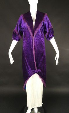 Amazing and rare couture piece from the Maison Doucet dating to The coat is a pane velvet in a gorgeous royal purple and lined in a cobalt blue silk. Spread collar with points in back. 1900s Fashion, Edwardian Fashion, Timeless Fashion, Vintage Fashion, Edwardian Era, Vintage Outfits, Vintage Dresses, Vintage Clothing, Belle Epoque
