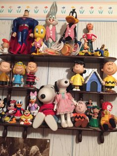 Top 10 tips to protect and preserve your dolls; Some ideas for collectors on safeguarding their collections. Old Dolls, Antique Dolls, Some Ideas, Cleaning Solutions, Clean Up, Beautiful Dolls, Smurfs, Learning, Antiques
