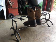 Boot rack Welding Crafts, Welding Ideas, Welding Art, Welding Projects, Craft Projects, Craft Ideas, Horseshoe Projects, Horseshoe Crafts, Horseshoe Art