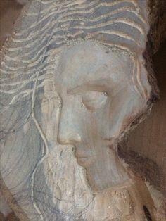 Carved woman face in progrees - dama tallada en proceso