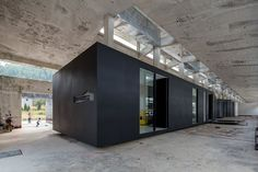 Shenzhen: Z Gallery in ID Town by O-office Architects