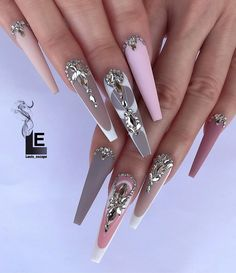27 - Erogenous Acrylic Stiletto and Different Nails 2020 Winter Designs, Erogenous Acrylic Stiletto and Different Nails 2020 Winter Designs 27 - Wonderful Nail designs of the year 2020 - 1 In winter, stiletto nails are alw. Stiletto Nails, Bling Acrylic Nails, Glam Nails, Best Acrylic Nails, Dope Nails, Bling Nails, Chanel Nails, Coffin Nails, Fabulous Nails