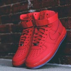 2014 cheap nike shoes for sale info collection off big discount.New nike roshe run,lebron james shoes,authentic jordans and nike foamposites 2014 online. Sneakers Mode, Sneakers Fashion, Fashion Shoes, Mens Fashion, Runway Fashion, Fashion Trends, Nike Free Runners, Nike Lunar, Zapatillas Nike Force