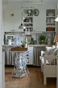 Shabby Chic/ Country kitchen