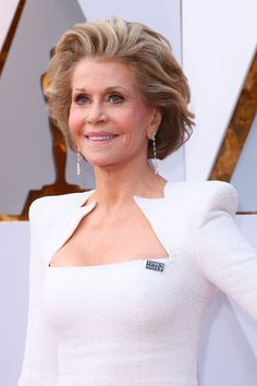 How Jane Fonda Became Hollywood's Fabulous Octogenarian Academy Award Winners, Academy Awards, Old Actress, American Actress, Film Institute, 50 Fashion, Fashion Models, Jane Fonda, White Gowns