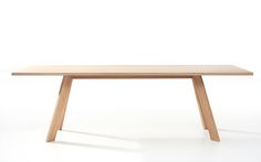 TOSH table. Presented in white pigmented oiled oak. Also available in other wood types and with an extension system. Design: Bernhard Müller #massivholztisch, #massivholztische, #esstisch, #esstischholz, #solidwoodtable, #solidwoodtables, #madeingermany, #diningtable, #diningtables, #designermöbel