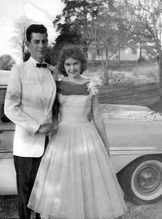 1950s vintage photo of a young couple heading to the prom. 1950s fashion inspiration / 1950s prom dress / Tuxedo #1950s #1950sfashion #prom #promdress #vintageprom #vintagephotography