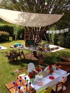 Você pode escolher um jardim, um parque, um spa ou até mesmo uma feira de artesanato para comemorar o seu chá de fraldas.