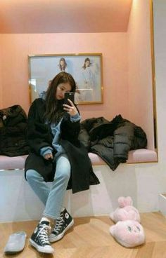 Black Pink Yes Please – BlackPink, the greatest Kpop girl group ever! Blackpink Jennie, Blackpink Fashion, Korean Fashion, Korean Girl, Asian Girl, Blackpink Members, Black Pink, Blackpink Photos, Looks Black