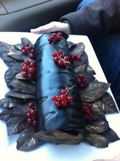 ... Logs on Pinterest | Yule log, Yule log cake and Christmas log cake