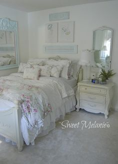 6 Simple and Crazy Tips and Tricks: Shabby Chic Salon Couch shabby chic ideas projects.Shabby Chic L Shabby Chic Salon, Shabby Chic Sofa, Shabby Chic Mirror, Estilo Shabby Chic, Shabby Chic Living Room, Shabby Chic Interiors, Shabby Chic Bedrooms, Shabby Chic Kitchen, Shabby Chic Cottage