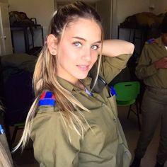 Idf Women, Military Women, Mädchen In Uniform, Israeli Girls, Warrior Girl, Warrior Women, Brave Women, Female Soldier, Military Girl