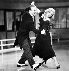 Fred Astaire and Ginger Rogers in Swing Time. Remember, Ginger Rogers did everything Fred Astaire did, but backwards and in high heels. Old Hollywood Glamour, Golden Age Of Hollywood, Vintage Hollywood, Classic Hollywood, Ginger Rogers, Fred Astaire, Tap Dance, Just Dance, Dance Music