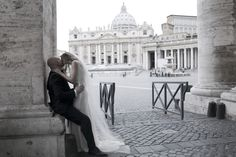 kiss in Vatican, wedding in Rome