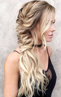 Check out these beautiful Bohemian hair styles to try this festival season!