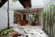 B HOUSE, Ho Chi Minh City, 2014 - ihouse Architecture and Construction