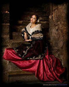 Baro't Saya - Maria Clara dress. The Baro't Saya is a traditional Filipino blouse and skirt for women. Modern Filipiniana Dress, Filipiniana Wedding, Filipino Culture, Filipino Art, Traditional Fashion, Traditional Dresses, Traditional Fabric, Maria Clara Dress Philippines, Philippines Dress