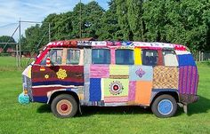 Kurios: Eine Strickpulli für einen VW-Bulli bei eBay - http://www.onlinemarktplatz.de/32293/kurios-eine-strickpulli-fur-einen-vw-bulli-bei-ebay/