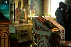 A brief overview of the Orthodox Church's early history  http://www.corespirit.com/brief-overview-orthodox-churchs-early-history/  The origins of the Orthodox Church can be traced back continuously to the earliest Christian movement. So can the Roman Catholic Church, the Anglican Community, and many other Christian faith groups. Each has their own belief system about their group's origins. The following is based on...