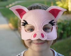 Items similar to Handmade felt mouse mask on Etsy Sibling Halloween Costumes, Pig Costumes, Family Costumes, Chicken Costumes, Mouse Mask, Pig Mask, Mascaras Halloween, Richard Scarry, Felt Crown