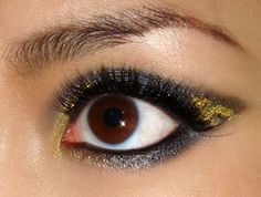 Makeup Tutorial: How To Get Emma Watson's Dramatic Gold and Black Cat Eye