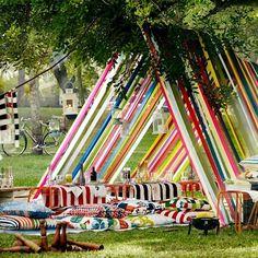 """Tak wygląda """"baza"""" dla dorosłych :) #IKEA#IKEAPolska#budujemybaze #piknik #ogród #plener #SOFIA #TULPANTRÄD #JONILL #DOFTRANKA #FLÖNG…"""