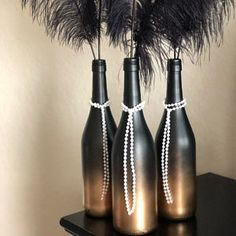 Great Gatsby Themed Wine Bottle - Easy Crafts for All Great Gatsby Party Decorations, Great Gatsby Themed Party, Masquerade Party Decorations, Disco Party, Gold Party, Nye Party, Black Party, Roaring 20s Birthday Party, Wine Bottle Centerpieces