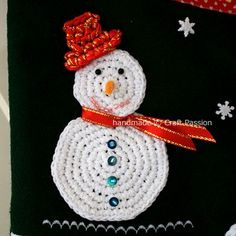 tutorial for stockings - I like the crocheted snowman