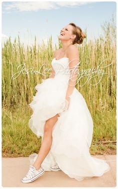 Bride, laughter, beautiful, wedding, converse,   www.Jesileephotography.com