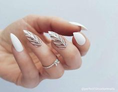 The Most and Glamorous Nail Art Designs For Girls - Page 18 of 20 Round nails art is so nice! That's why we found the best nails to motivate you and take you to the local nail salon as… Stylish Nails, Trendy Nails, Cute Nails, Classy Nails, Hair And Nails, My Nails, Stiletto Nail Art, Acrylic Nails, Coffin Nails