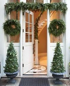 Do not forget to take inspiration for festive outdoor Christmas decoration ideas this Holiday season. Make your backyard, entrance, porch & garden, look outstanding with Christmas decorating ideas and images. Front Door Christmas Decorations, Christmas Porch, Christmas Love, Outdoor Christmas, Country Christmas, Winter Christmas, All Things Christmas, Christmas Parties, Beautiful Christmas
